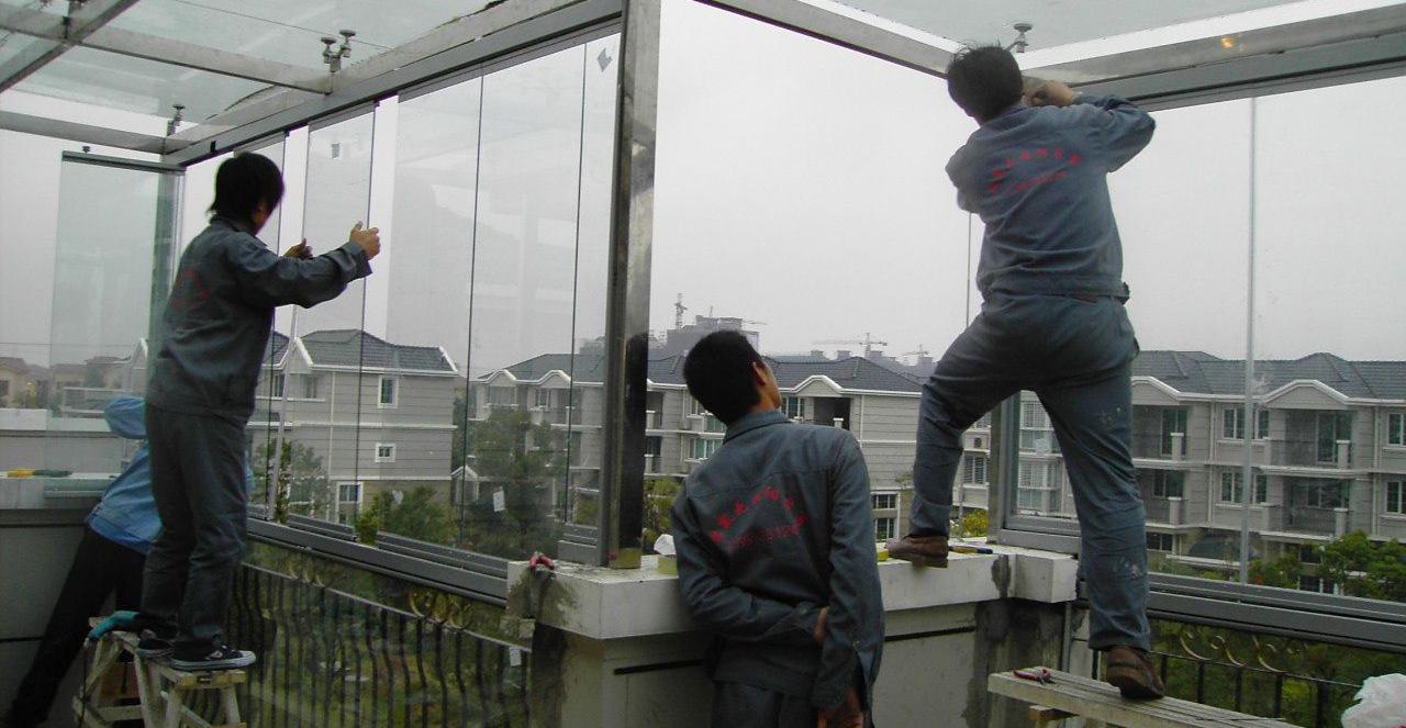 上海断桥铝门窗厂家专业封阳台、封露台、制作无框阳台