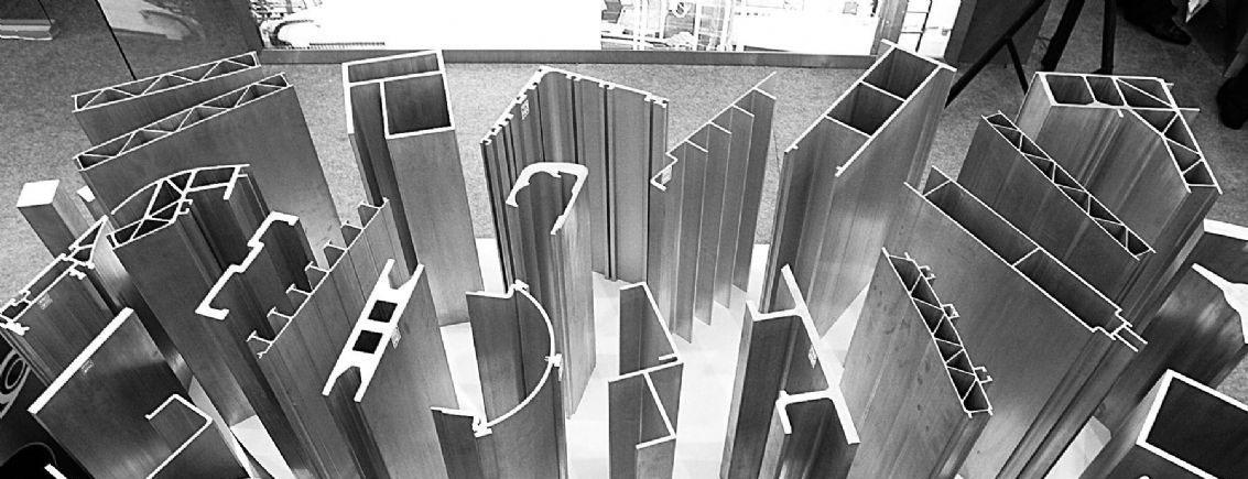 赛斯德型材展示 断桥铝门窗